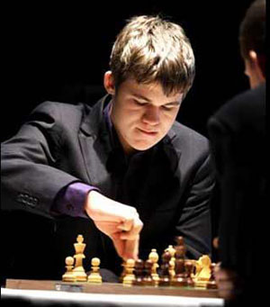 What should be the format of the World Chess Championship?